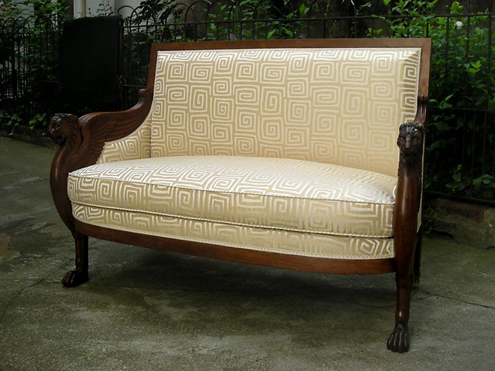 canap s de style tapisserie neves tapissier fort de plus. Black Bedroom Furniture Sets. Home Design Ideas